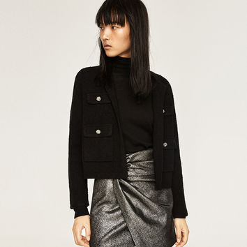 SHORT JACKET WITH FRONT POCKETS
