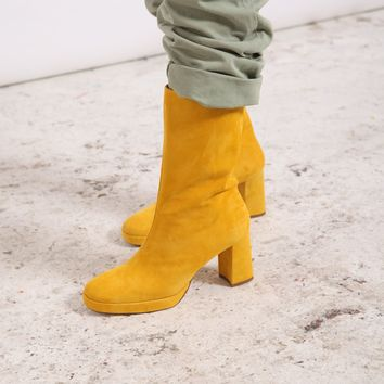 CARLOTA YELLOW SUEDE BOOTS