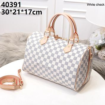 LV 2019 new women's classic old flower handbag pillow bag white check