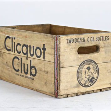 Vintage Wood Crate Clicquot Club, Wood Crate, Vintage Wooden Crate Clicquot Club, Rustic Wood Crate, Old Wood Crate Clicquot Club
