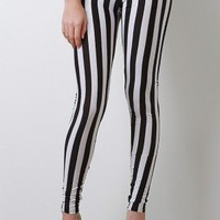 Stripe Strike Leggings