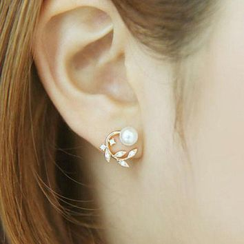 ONETOW Korean Accessory 925 Silver Lovely Floral Pearls Stylish Earrings [8740027911]