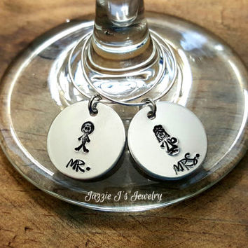 Hand Stamped Bride and Groom Wine Charms, Mr & Mrs Set of Wine Markers, Wedding Day Wine Markers, Wedding Gift, Stemware, Wedding Charms