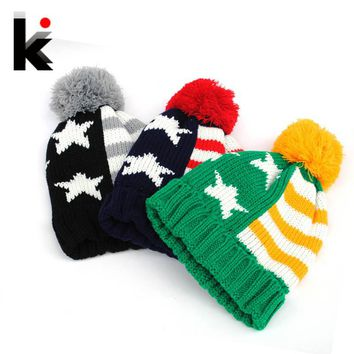 2017 autumn and winter hat fashion American flag pattern ball knitted beanie hats for women and caps gorro for men