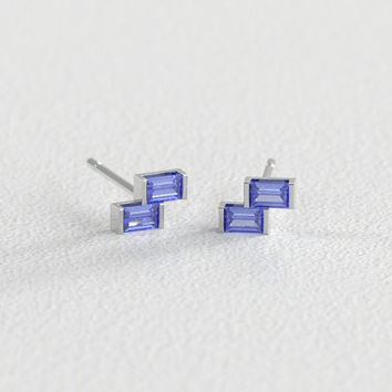Montana Sapphire Stud Earrings Fine Sapphires from Yogo Montana in Recycled White Gold Vintage Style Setting