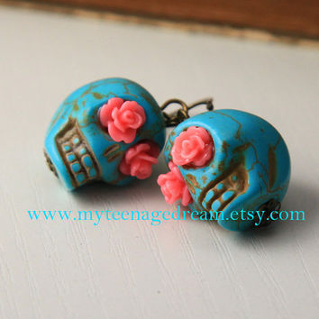 Day Of The Dead, lovely Turquoise skull earrings,  pink roses eyes