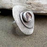 Sterling silver ring with semi precious stone fan shaped, quartz with inclusions of chlorites. Summer Trends. Ready to ship