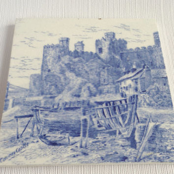 Blue and White Minton Tile . Conway Castle . Antique Tile . Vintage Blue Minton Tile