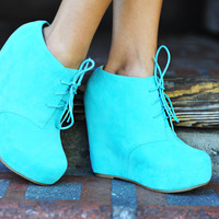 Put A Wedge In It Booties: Mint | Hope's