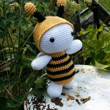 bee Abeille doudou blankie toys jouet baby bébé kids enfant crochet doll poupée amigurumi gift knitting handmade shower gift stuffed toys