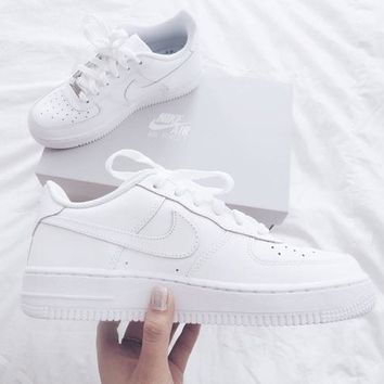NIKE AIR FORCE 1 classic men and women wild casual white shoes