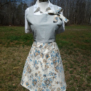 Vintage Inspired Full Apron with Bow detail and lined Pockets - Handmade by The Hippie Patch
