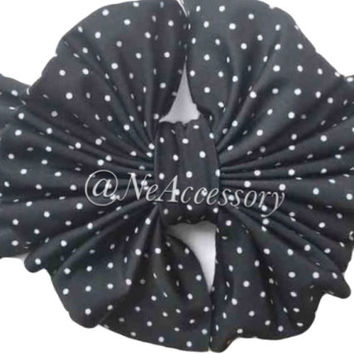 Black and white Messy  Bow Head Wrap, Black and White polka Dot Messy Bow Head wrap, Turban, Baby Girl, Baby Shower gift, Big Bow head wrap