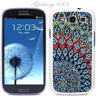 White Snap-on S3 Phone Cover Case for Samsung Galaxy Siii Phone - Aztec Mosaic Pattern Logo Design. Height:5.3 Inches X Width: 2.6 Inches X Thickness: 0.5 Inch.