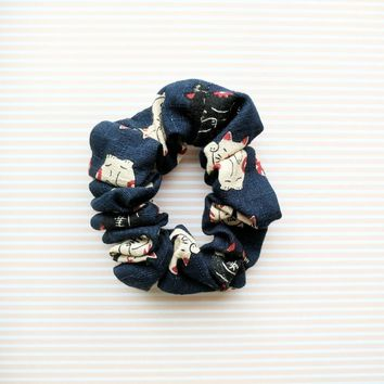 Fabric Scrunchie - Maneki Neko in Navy