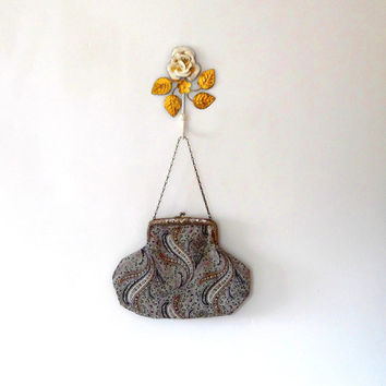 Art nouveau / antique / 30s / floral / wave / pink / grey / green / brown / silver / metal / embossed / small clasp bag / purse