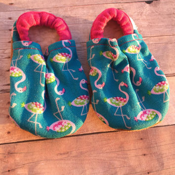 Flamingo booties, flamingo moccs, summer booties, summer Moccs, flamingo, flamingo baby shower, pink flamingo booties, soft sole shoes