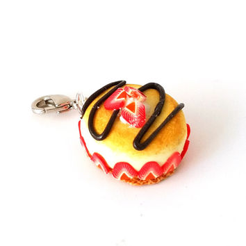 Miniature Strawberry Cheesecake Charm- Miniature food jewelry, Necklaces,Bracelets charm,Dessert charms, Kawaii charms- Polymer clay cupcake