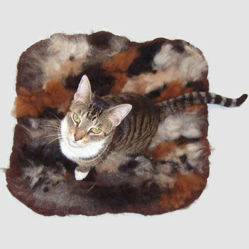 Alpaca/Llama Cat Bed Cruelty Free Rustic Primitive Felted Fleece Rug  - Supporting Small US Farms - Not a Skin - This is Better