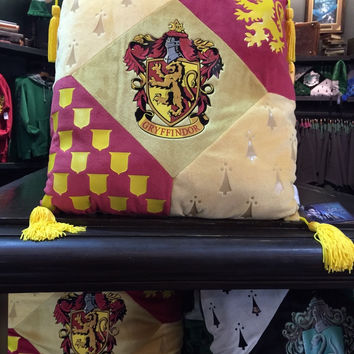 Universal Studios Wizarding World of Harry Potter Gryffindor Pillow New with Tags