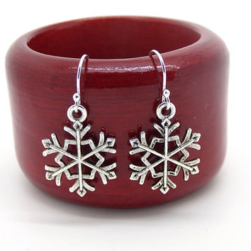 Snowflake Earrings, Silver Snowflakes, Winter Christmas Earrings, Lightweight, Dangle Earrings, Stocking Stuffers, Gifts Under 10