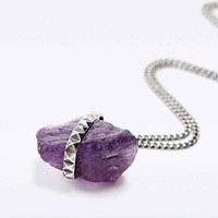 Jill Urwin Amethyst Pyramid Necklace in Silver - Urban Outfitters