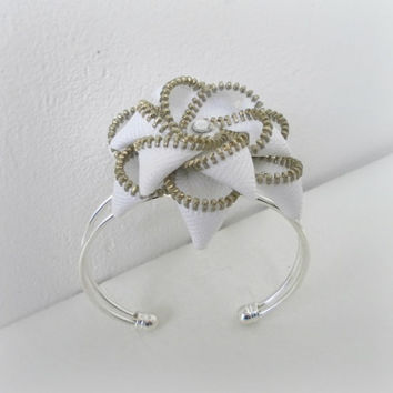 Zipper bracelet, cuff bracelet, silver plated, lead and nickel free - Flower bracelet, eco friendly, recycled jewelry,
