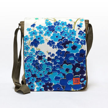 Lilly - Canvas Messenger Bag, crossbody bag, blue floral shoulder bag upcycled with original vintage fabric by EllaOsix