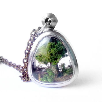 Tree Necklace, Tree Sculpture Locket Necklace, Tree Locket, Tree Jewelry, Miniature Tree Necklace, Tiny Tree Necklace, Botanical Necklace