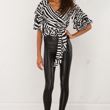 Print Wrap Top in Black White