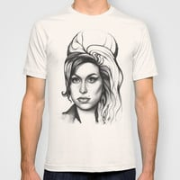 Amy Winehouse T-shirt by Olechka | Society6