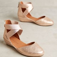 Gentle Souls by Kenneth Cole Noa Mini Wedges in Rose Gold Size: