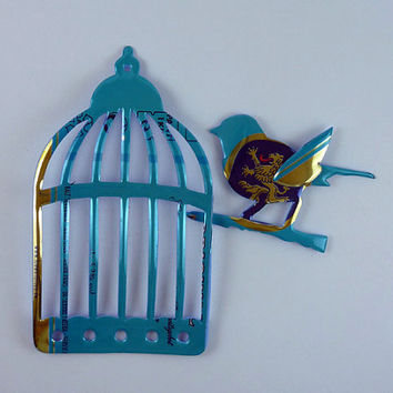 Turquoise Cage and Bird Magnet - Made from Löwenbräu beer can- beer can magnet - animal magnet - upcycled magnet - bird magnet - unique gift