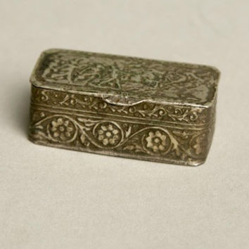 Miniature Pill Box Engraved Floral Silver Designer Made in Italy Vintage Jewelry Accessory