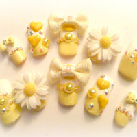 Kawaii Sweet Happy Yellow & White Daisy nails with bows and acrylic hearts full false/fake 3D nail gyaru Japanese hime lolita