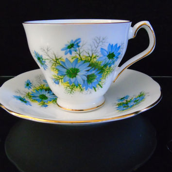 Bachelor's Button Royal Windsor Blue Cornflower Tea Cup And Saucer Fine Bone China England