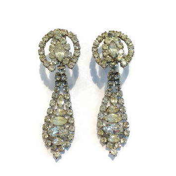 1950s Earrings / Vintage Rhinestone Chandelier Dangle Statement Clip Earrings, Wedding Jewelry, Bridal Jewelry, Holiday Party
