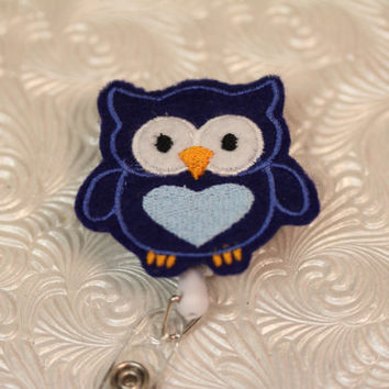 adorable owl - nurse badge holder - retractable - badge reel - name badge holder - badge clip - felt badge reel - badgge pull - pediatric
