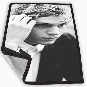 evan peters american horror story Blanket for Kids Blanket, Fleece Blanket Cute and Awesome Blanket for your bedding, Blanket fleece **