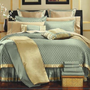 12pc PA. Aqua  Quilt Comforter Set Size: Queen