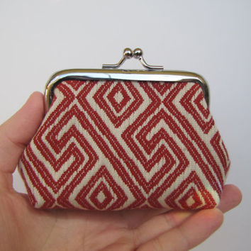 Retro red and white coin purse , metal frame coin purse
