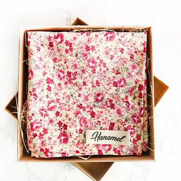 Hanamel Handmade Pink Floral Pocket Square - Beige Floral Pocket Square - Cream Flower pocket square - Vintage Floral Pocket Square