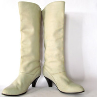 vintage 70s Frye boots. Tall cream leather knee high pull on boots with stacked conical heel. size 6
