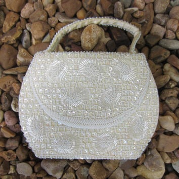 50s White Beaded Sequin Clutch by La Regale // Vintage Hand Made Shimmering Evening Bag
