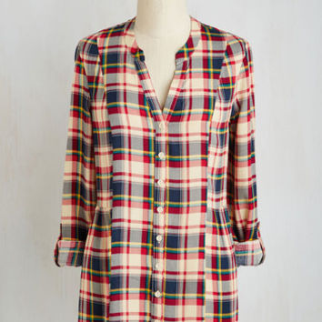 90s Long Sleeve Trusty Travel Top in Red Plaid