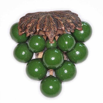 Large Vintage Art Deco 1930s Green Grape Cluster  Beaded Sweater Fur Clip