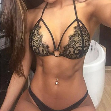 2016 Sexy Women Lingerie Black Lace Push Up Bra Panties set Strap Halter Bralette Thongs Ladies Bustier Cropped Tank Top G-tring