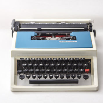 Typewriter Lettera 31T Olivetti, designed by Ettore Sottsass - Fully Working