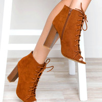 Allistar Heel - Chestnut