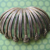 Decorative Tortolani Vintage Brooch